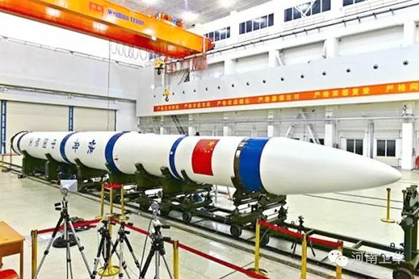100t-rocket-assembly-crane