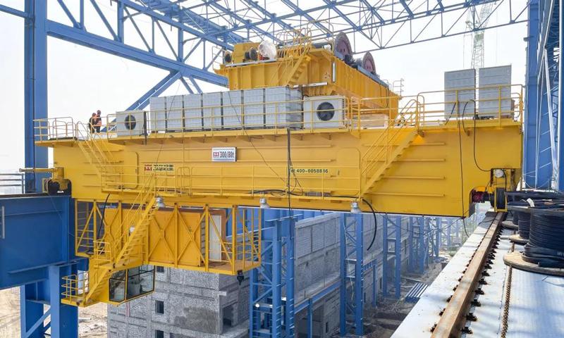 300t-steel-foundry-plant-crane