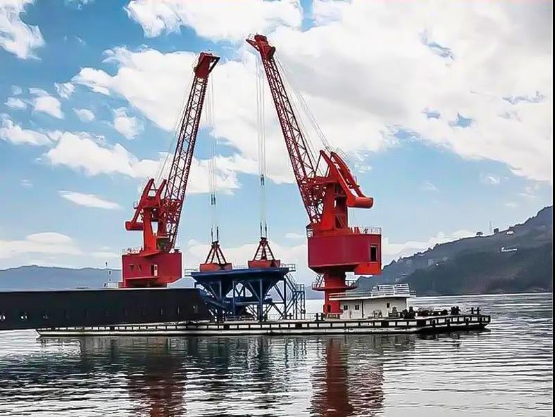 floating-portal-crane