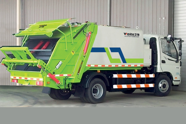 Compressed-garbage-truck