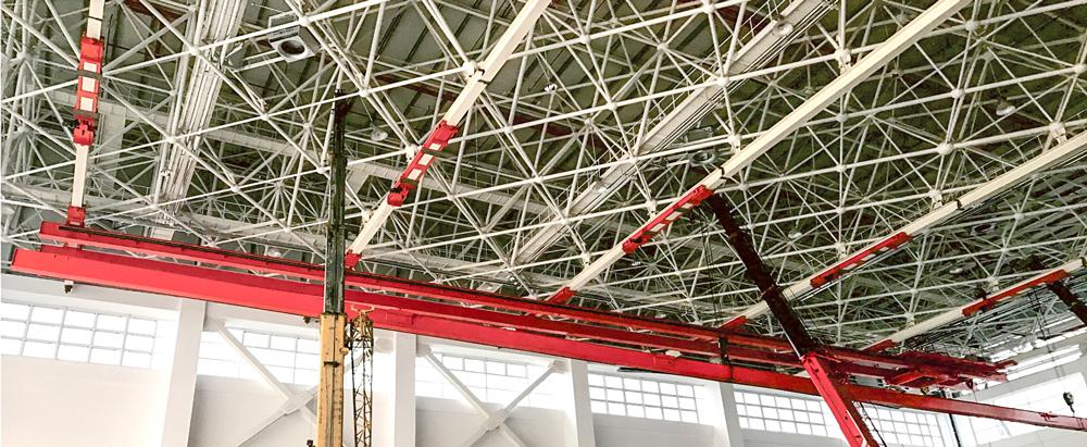 Multi-pivot-suspension-crane-for-aviation