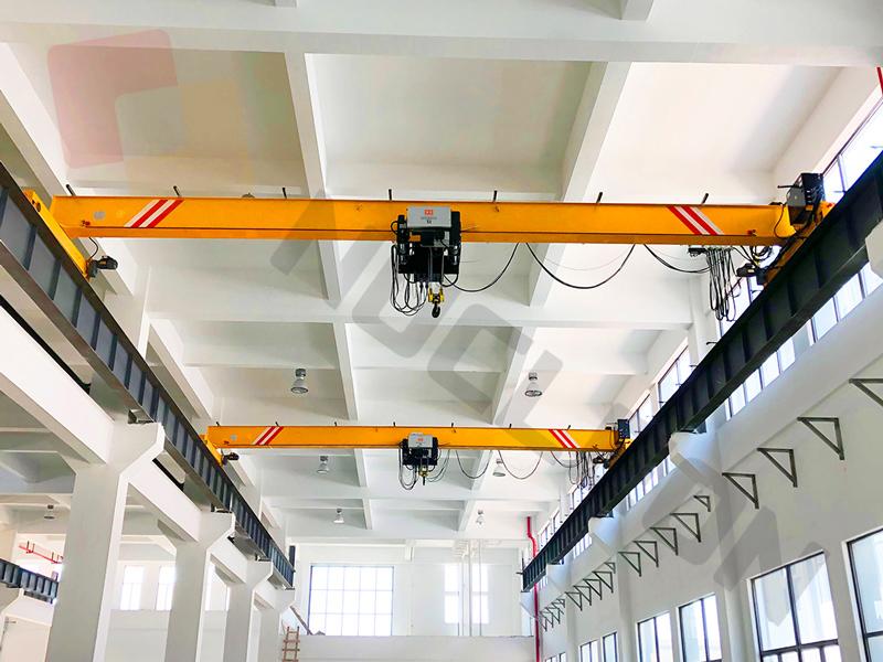Overhead-Traveling-crane-with-new-design-hoist