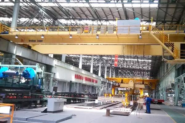 Overhead-crane-suction-beam