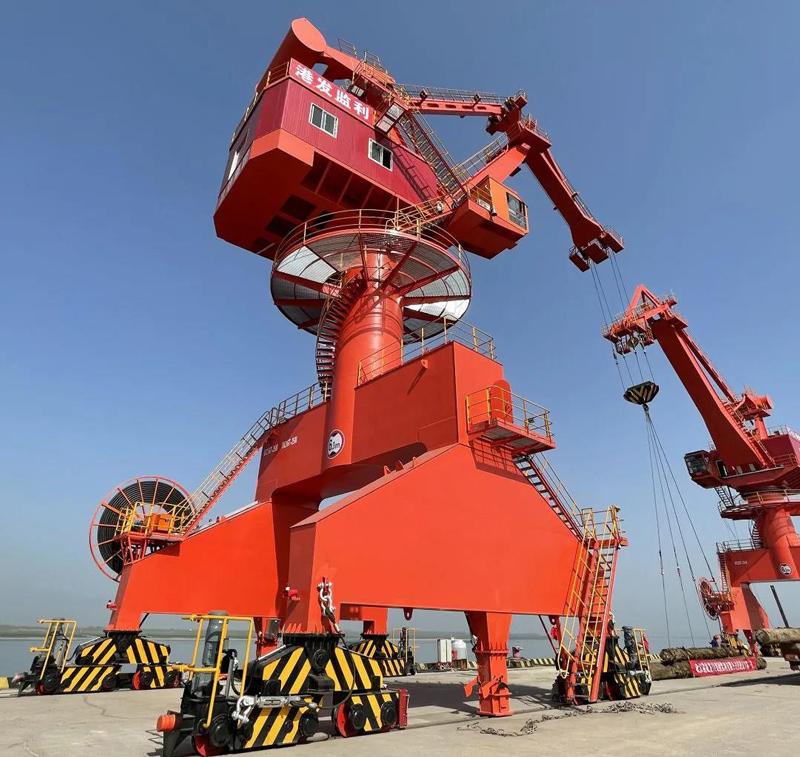 Port-portal-crane