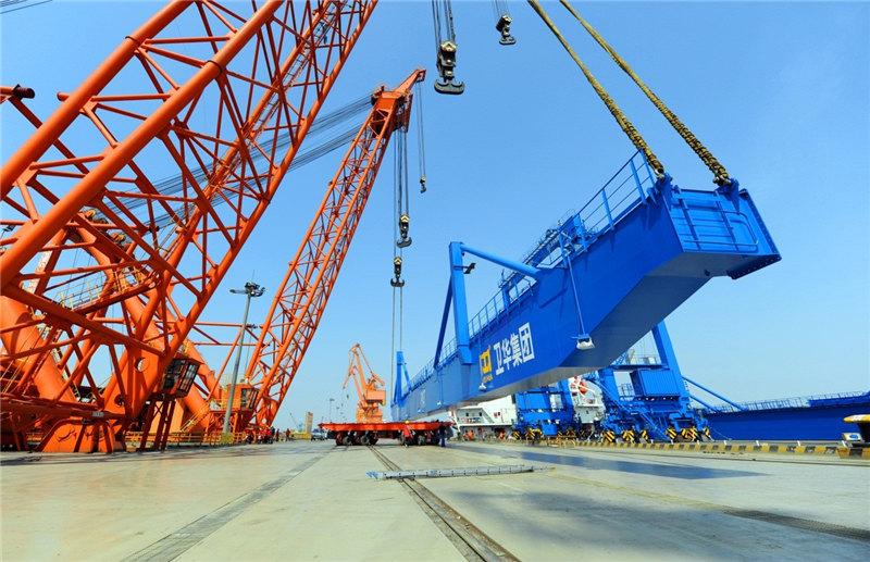RMG-crane-loading-Thailand