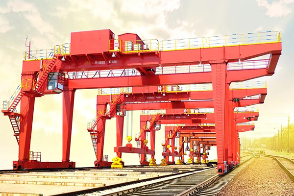 Synchronous-operation-gantry-cranes