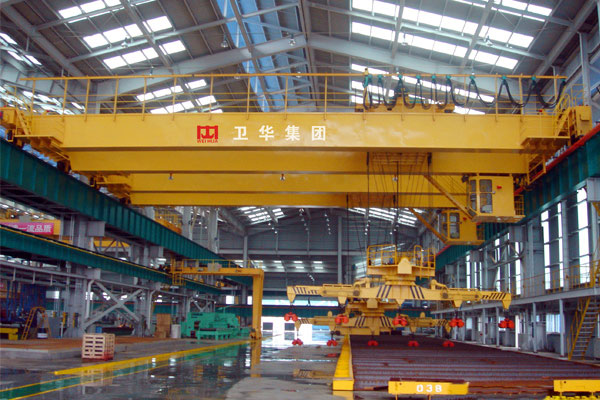 Overhead-crane-with-electromagnetic