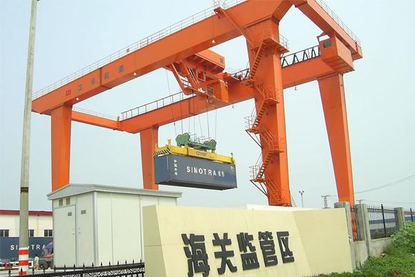 container-crane