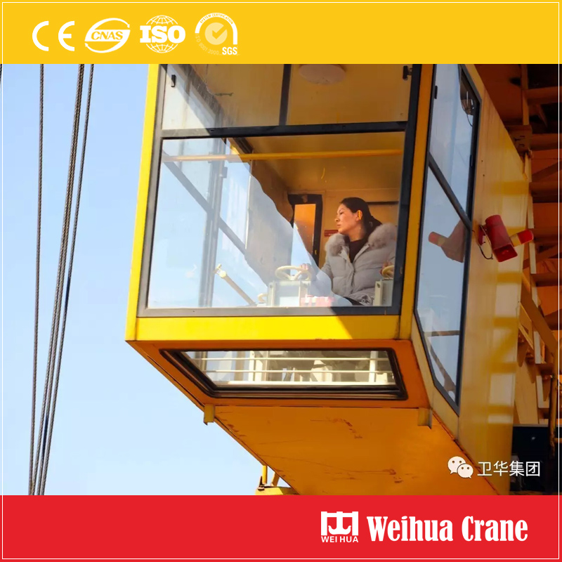 crane-driver-cabin