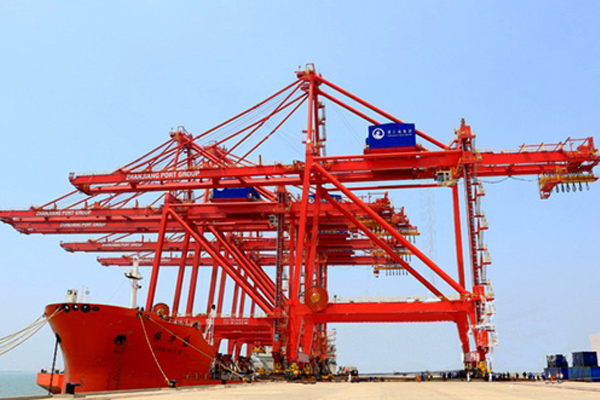 dockside-conainer-crane