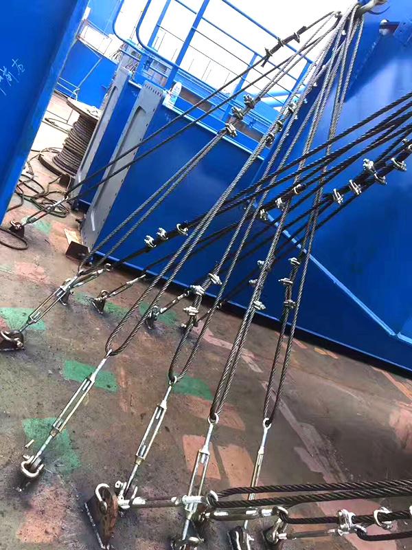 gantry-crane-fasten