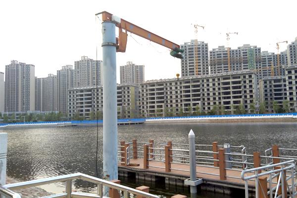 jib-crane-at-wharf