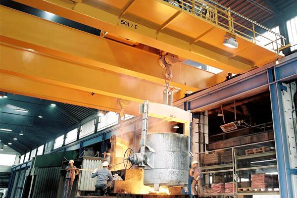 metallurgy-crane