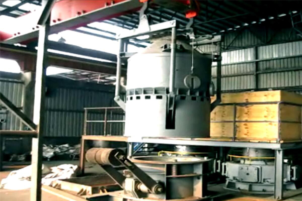 metallurgy-material-loading-crane