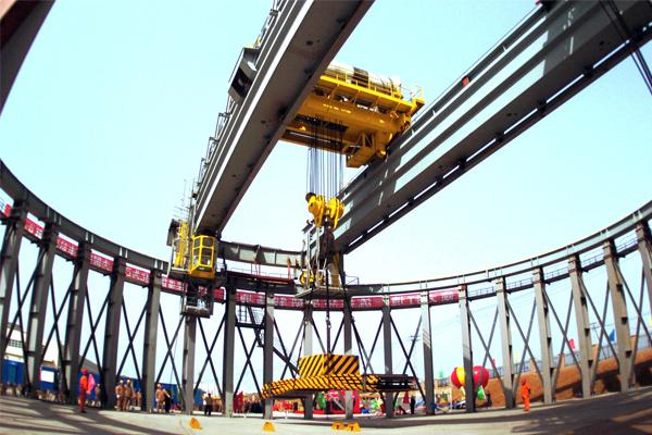 nuclear-power-crane