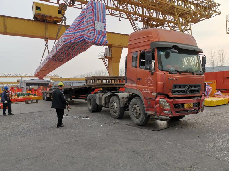 overhead-crane-loading-at-factory