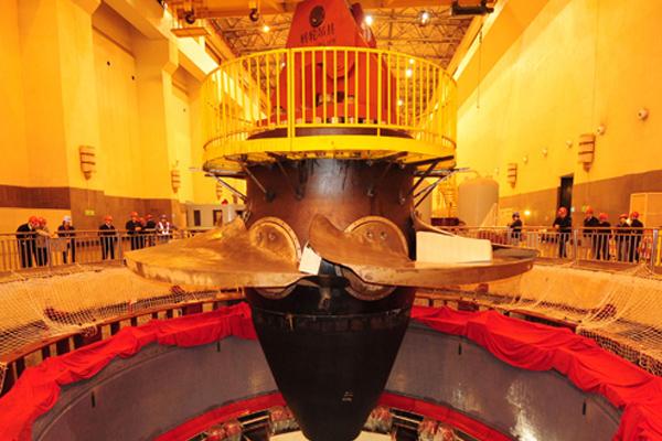 power-plant-crane