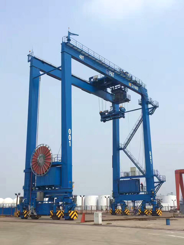 rubber-tire-gantry-crane-deck