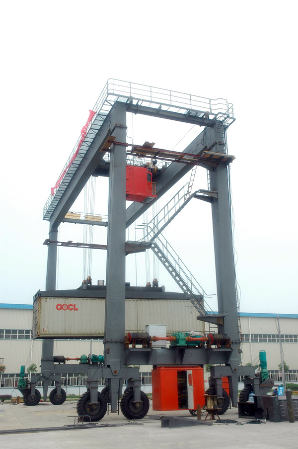 rubber-tire-gantry-crane-load-test
