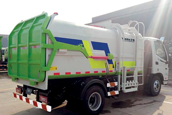 self-loading-garbage-truck
