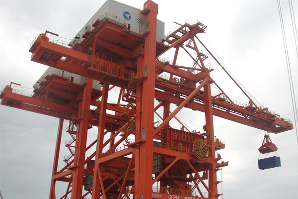 ship-to-shore-container-crane