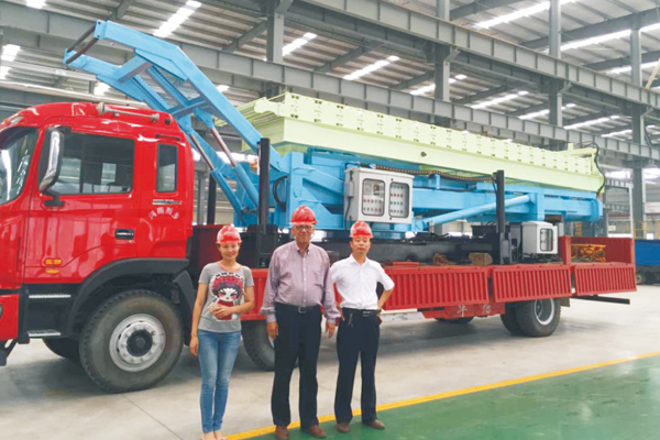 steel-tile-maker-crane