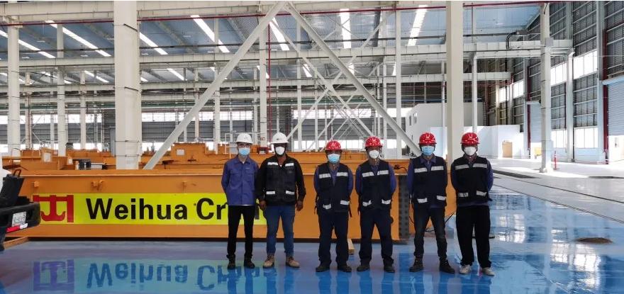 weihua-crane-installation-team